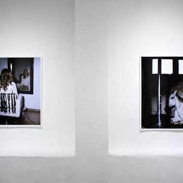 "QUITO - THE ""NO LUGAR-ARTE CONTEMPORÁNEO"" GALLERY PRESENTS ""FISIÓN"", A VERY REFLECTIVE EXHIBITION"